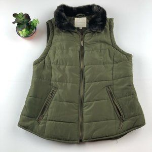 COPPER KEY Army Green Vest with Furry Collar XS